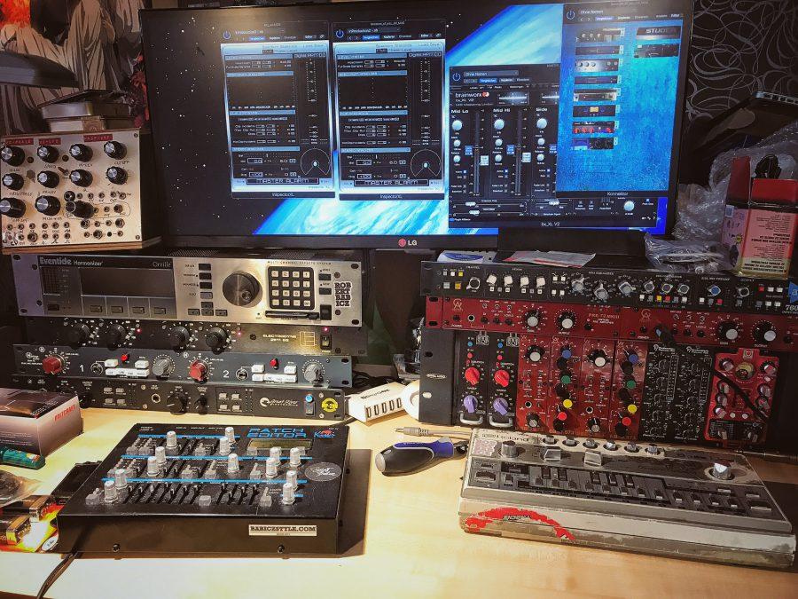 analogue junkie robert babicz studio vst mic preamps production music