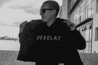 Agent! agent desolat get physical